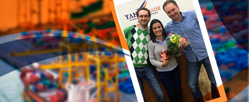 Yaha Trade homenageia Cleidiane Moreira pelos 5 anos de empresa!